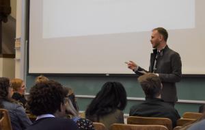Dietram Scheufele teaching in LSC 251 Science, Media and Society.